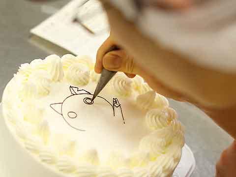 デコレーションケーキのイラスト例